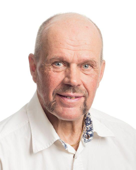 Kasvokuva Timo J. Lehtisestä