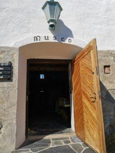 Kuva Kangasalan Kotiseutumuseon ulko-ovesta